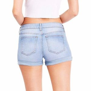"""NWT Celebrity Pink 3"""" Jean Shorts!"""